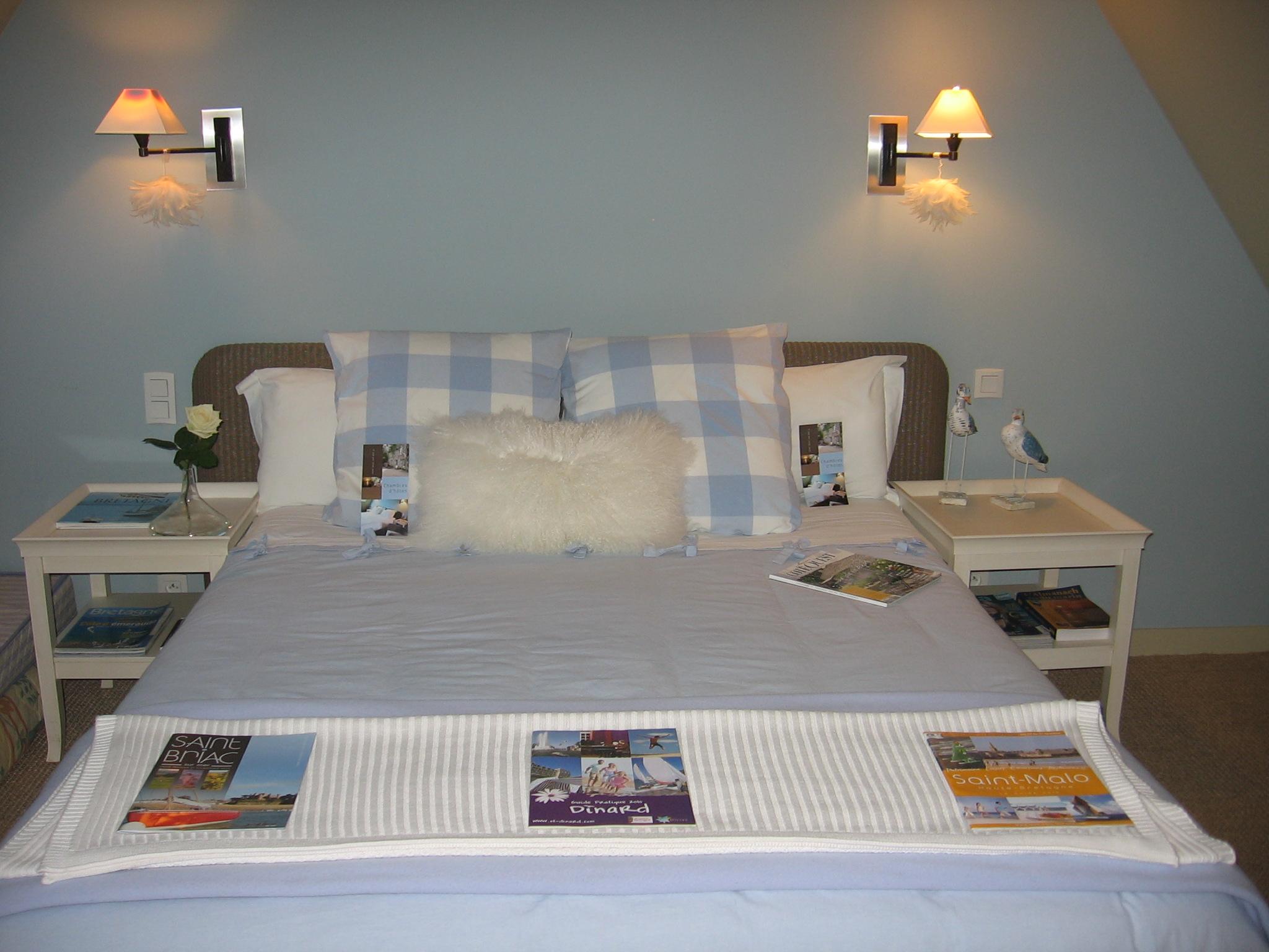 Chambre comble de r ves chambres d 39 h tes le vieux logis - Chambre d hotes saint guilhem le desert ...